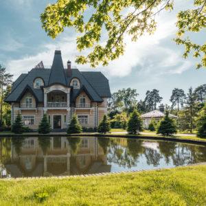 Интерьерная фотосъемка загородного дома